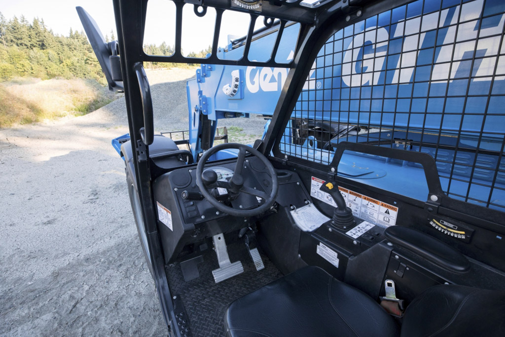 https://www.genielift.com/images/default-source/aerial-pros-featured-thumbnails/1---featured---how-to-properly-maintain-your-genie-telehandler.jpg?sfvrsn=82d7d722_21