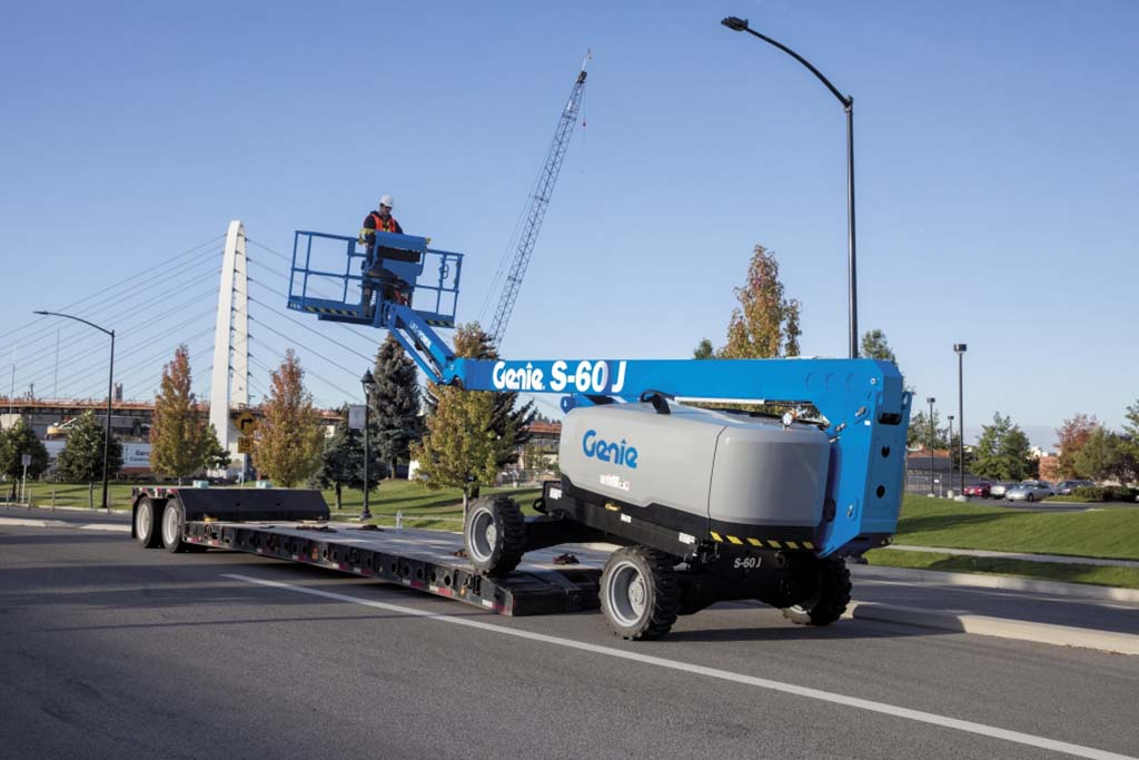 https://www.genielift.com/images/default-source/aerial-pros-featured-thumbnails/2---featured---tips-for-transporting-a-boom-lift.jpg?sfvrsn=46cf3205_19