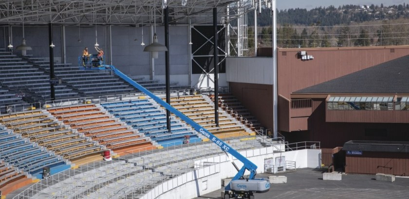 https://www.genielift.com/images/default-source/aerial-pros-featured-thumbnails/featured-compliance-with-ansi-csa-ce-and-australian-standards.jpg?sfvrsn=f01e22b4_2