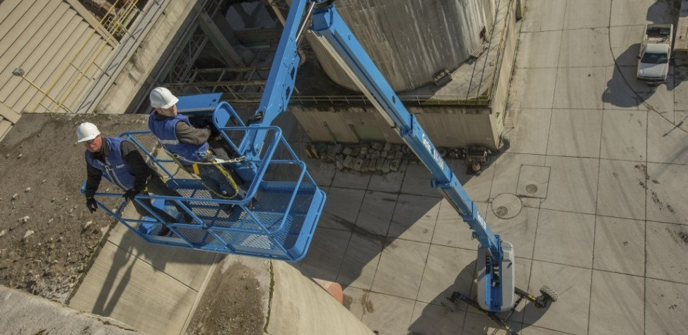 https://www.genielift.com/images/default-source/aerial-pros-featured-thumbnails/featured-genie-011315_-120.jpg?sfvrsn=f631bf38_6