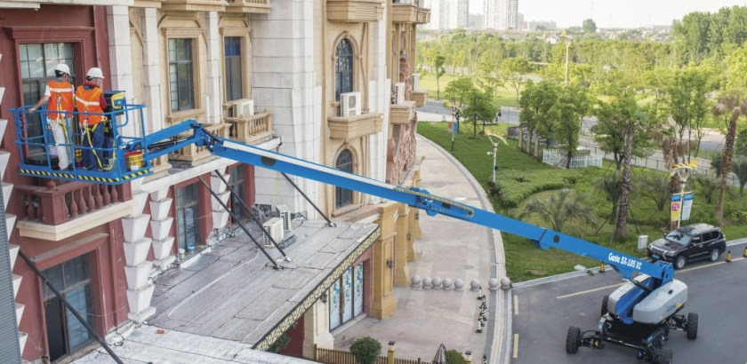 https://www.genielift.com/images/default-source/aerial-pros-featured-thumbnails/featured-sx-105_xc_dsc_9080_sh_1.jpg?sfvrsn=5cf99126_4