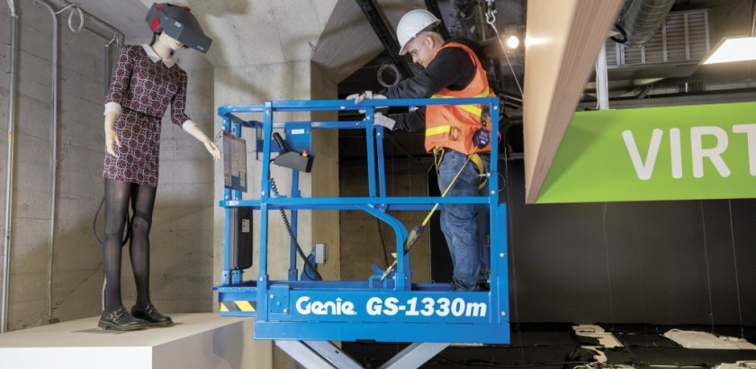 https://www.genielift.com/images/default-source/aerial-pros-featured-thumbnails/featured-what-constitutes-proper-mewp-training.jpg?sfvrsn=1da181ef_13