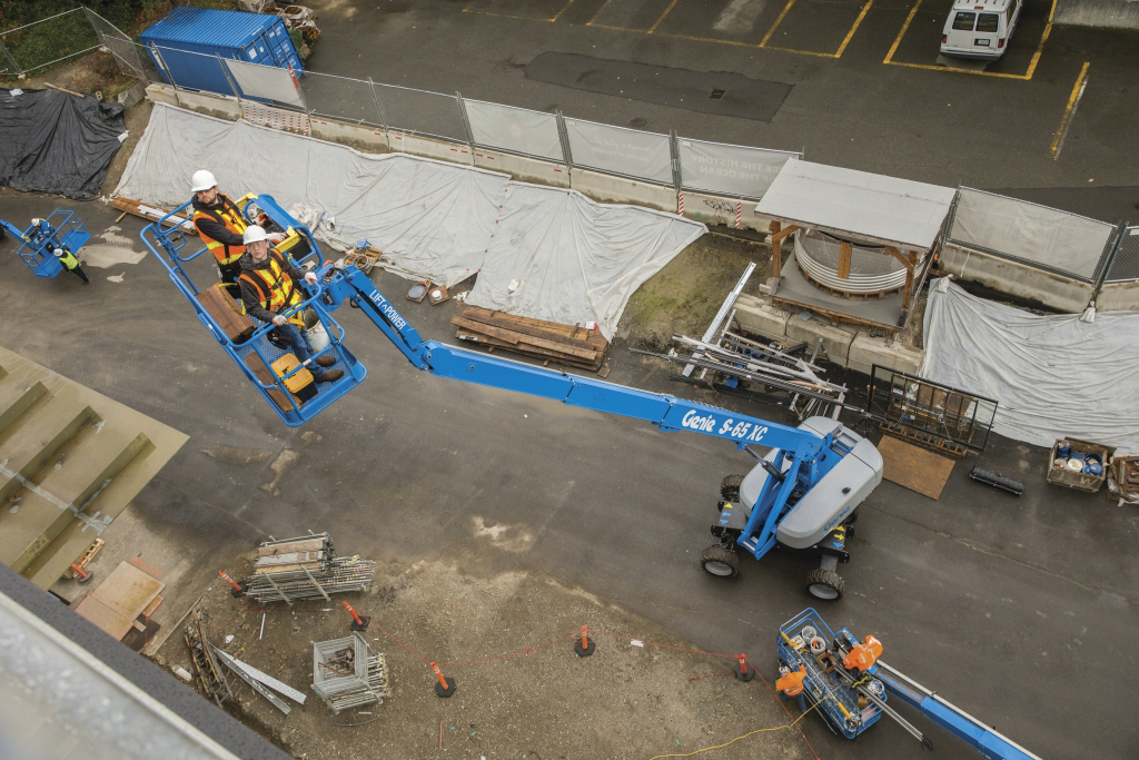 https://www.genielift.com/images/default-source/aerial-pros-featured-thumbnails/featured-what-is-range-of-motion.jpg?sfvrsn=79e30a2b_5