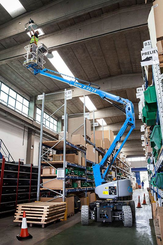 Genie Z-33/18 articulating boom lift