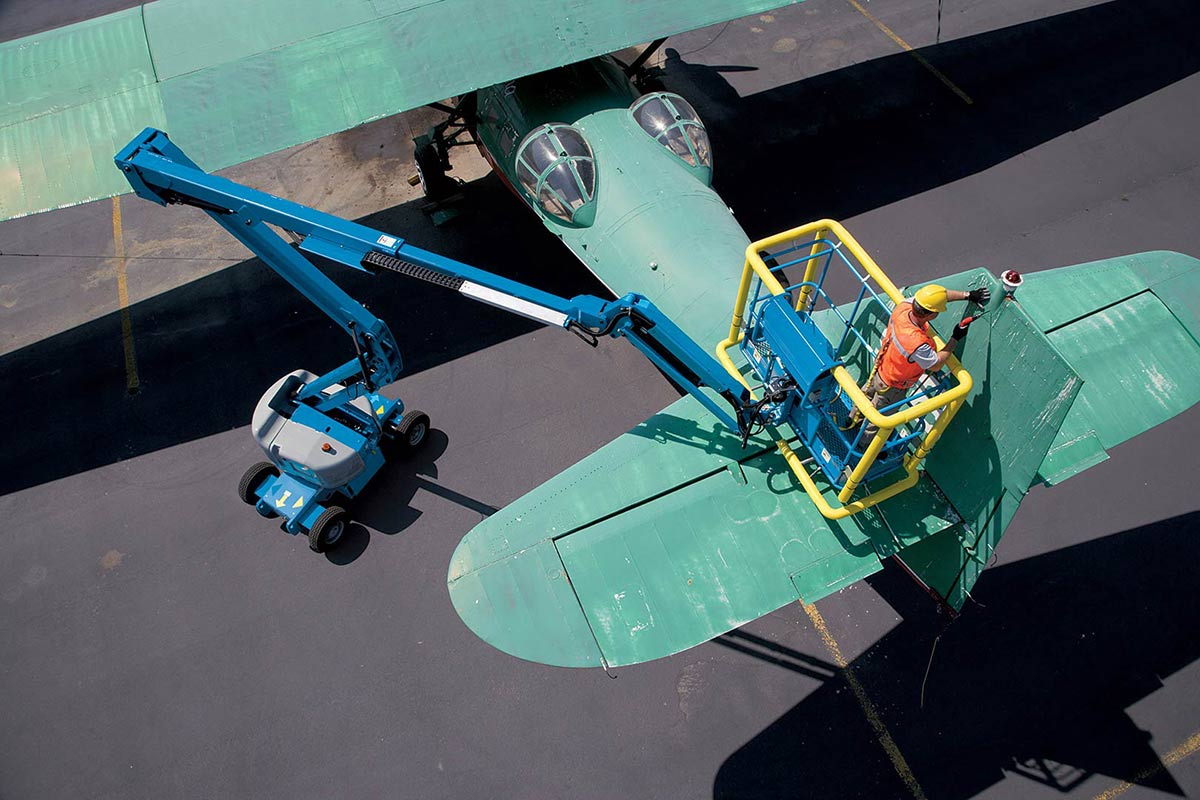 Genie Z-45/25 articulating boom lift