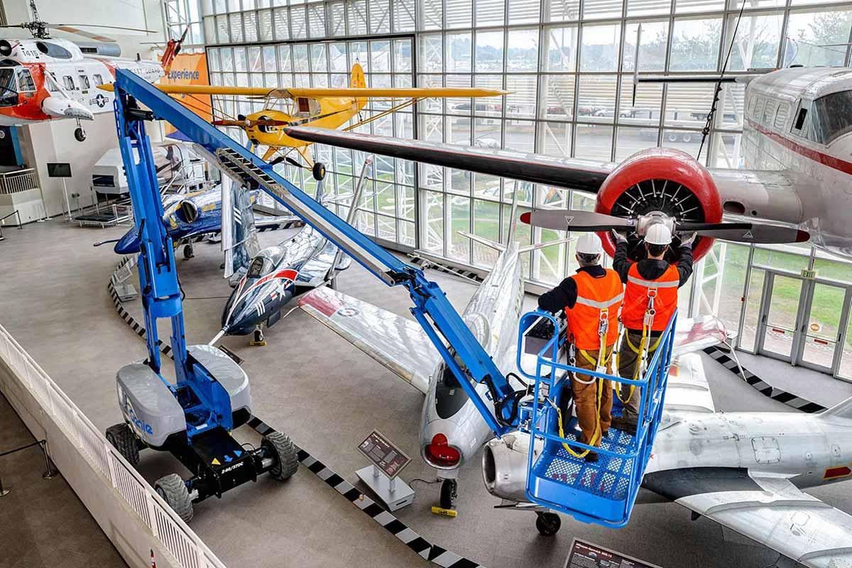 Genie Z-60/37 DC or FE articulating boom lift