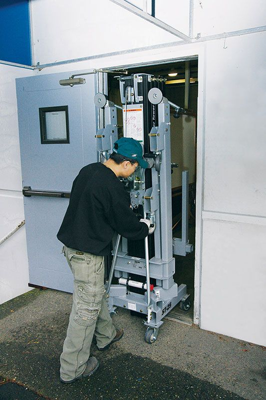Genie ST material lift