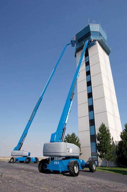 Genie S-125 telescopic boom lift